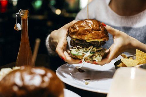 behavioral-symptoms-of-eating-disorders